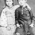 Леся Українка З братом Михайлом, 1880..1881 рр.