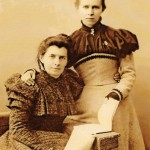 Леся Українка З матір'ю, 1898 р.