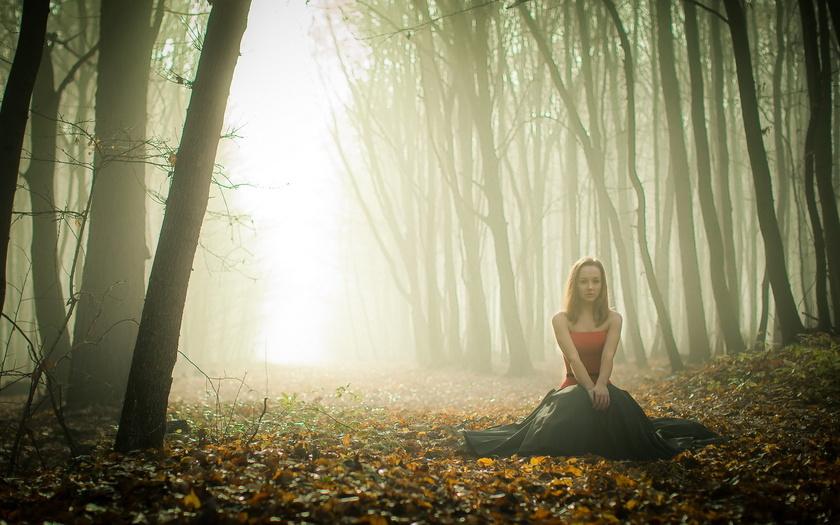 Її окутав ранішній туман...