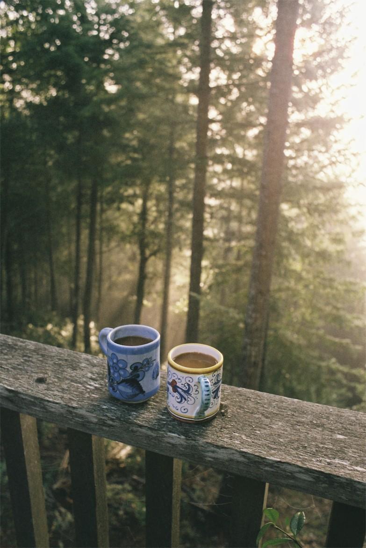 Стигла кава – не було з ким пити