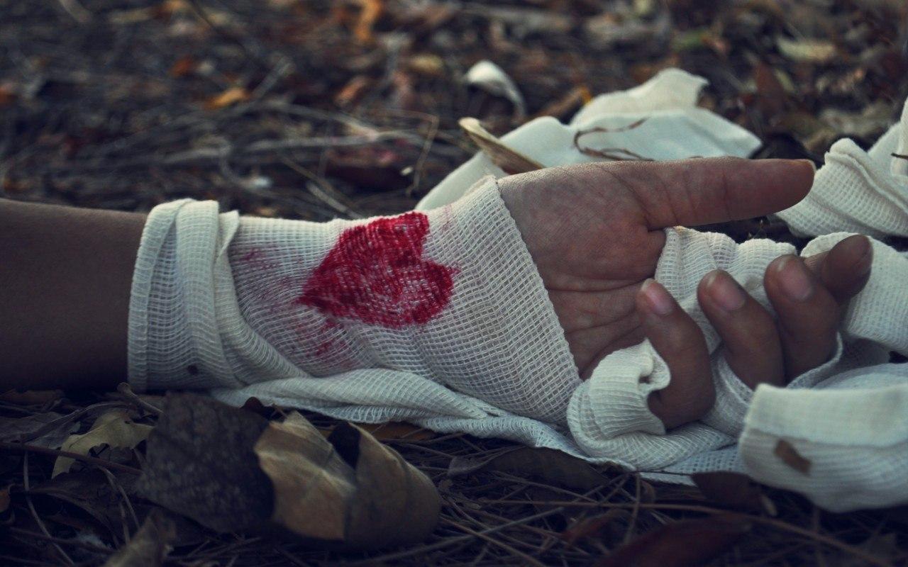ти з серця мого вириваєш повільно вірші...