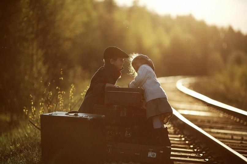 Є ніжності й поцілунки, а деколи битий посуд.